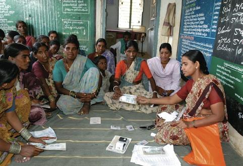 Via al bando 2012 per tesi e progetti di microfinanza