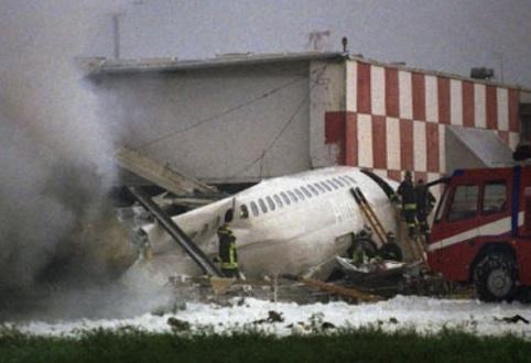 Un premio di laurea in ricordo delle vittime del disastro aereo di Linate