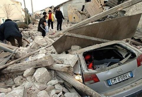 Dall'associazione Vittime Studenti Universitari del terremoto dell'Aquila un premio alla tesi sul rischio sismico
